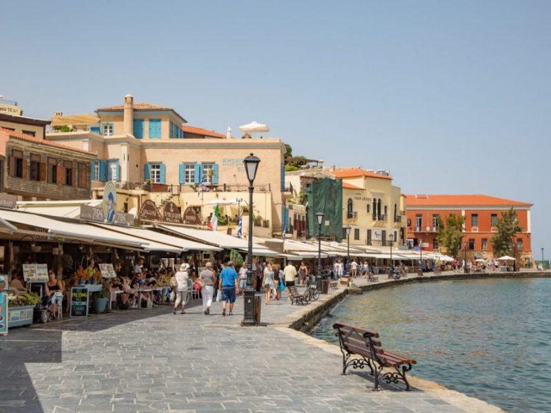 Flughafen Chania auf Kreta, wie kann man an diesem Ort einfach ein Auto mieten? Lesen Sie in diesem praktischen Artikel, wie Sie alles regeln können